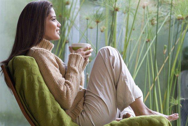 prendere il tè da soli